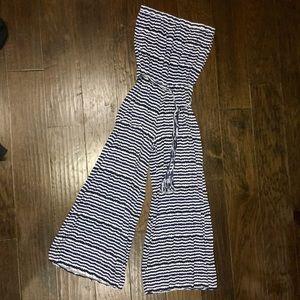 Strapless romper! EUC black, blue & white striped